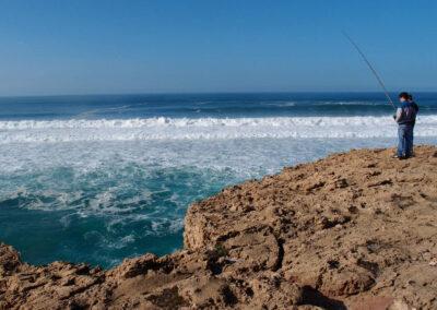Pescadores em Portugal, quarenta metros acima do mar